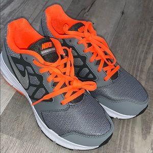 New Nike Downshifter 6 Youth 4.5 grey orange